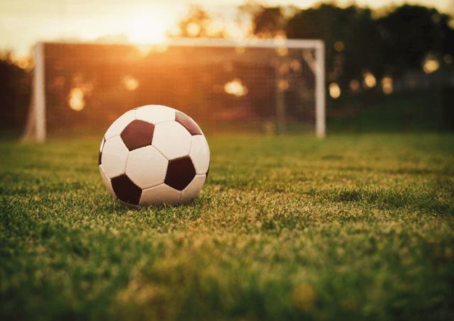 """Tornou-se uma prática comum alugar campos de futebol para uma hora de  diversão. Deixamos-lhe 20 sugestões para uma """"futebolada"""" em Lisboa com os  amigos. 964864466cd0f"""