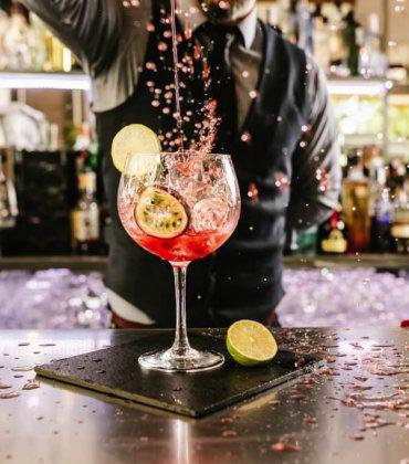Aprende a fazer Cocktails para a Passagem de Ano!