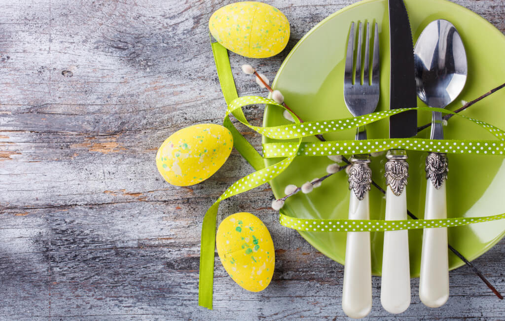 Easter table setting. Holiday Decorations.Happy Easter.Copy space.selective focus.